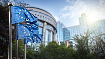 欧元/美元:贸易战阴云继续笼罩,价格受拖累接近关键支撑