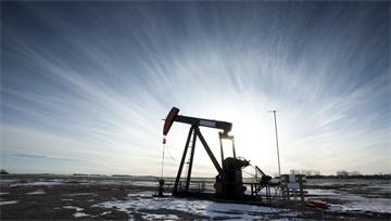 【原油】EIA庫存創近3年來最大周降幅、油價反彈逼近60美元!但兩大會議臨近令油價沖高回落