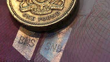 英镑等待明日最高法院裁决,富时100指数的上升楔形底部已被跌穿
