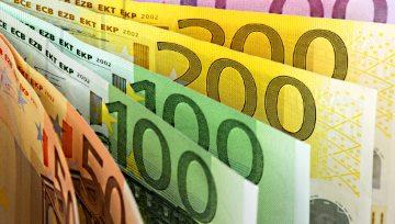 歐元/美元:拉加德肯定歐央行寬鬆政策,製造業PMI改善未獲認可,1.1070-1.1100區域壓制反彈