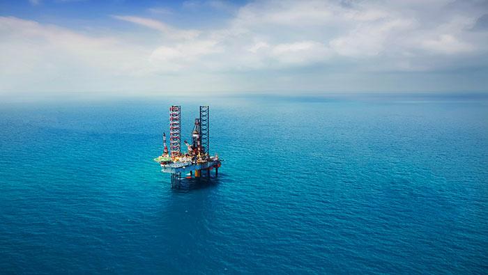 WTI原油走势:美元、美债收益率齐跌、油价收复64,五月倾向进一步上行