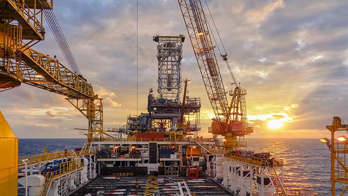 原油走勢展望:需求上升之際油價前景仍偏向看漲