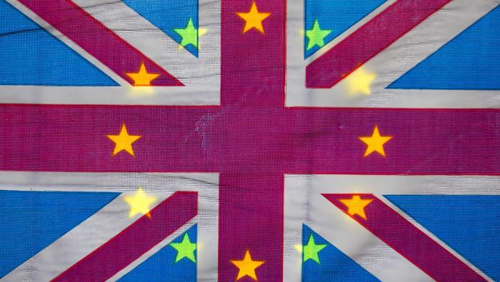 英镑走势预测:英镑/美元三角整理形态岌岌可危,德尔塔病毒或助力英镑下破!