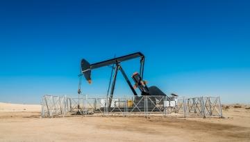 原油技术分析(4.27):原油需求持续低迷,技术面聚焦下降阻力线&下降旗形通道处得失情况