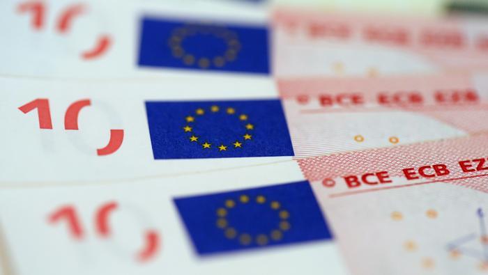 歐元/美元走勢預測:頭肩頂似成形,歐元即將迎來關鍵選擇?大跌or大漲全看這一水平!